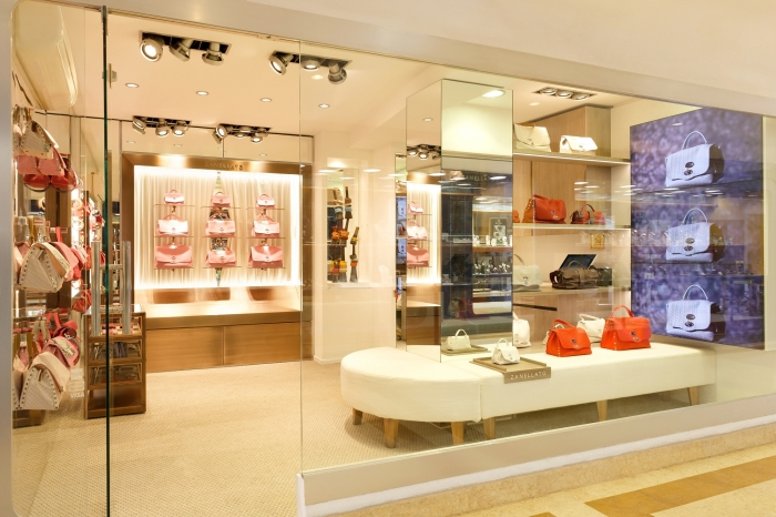 Zanellato inaugura una boutique a sain tropez e presenta for Zanellato milano